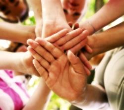 Schutz von Minderjährigen - Kinderhände