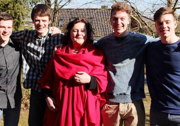 Monika Müller mit ihren GetStrong-Jungs